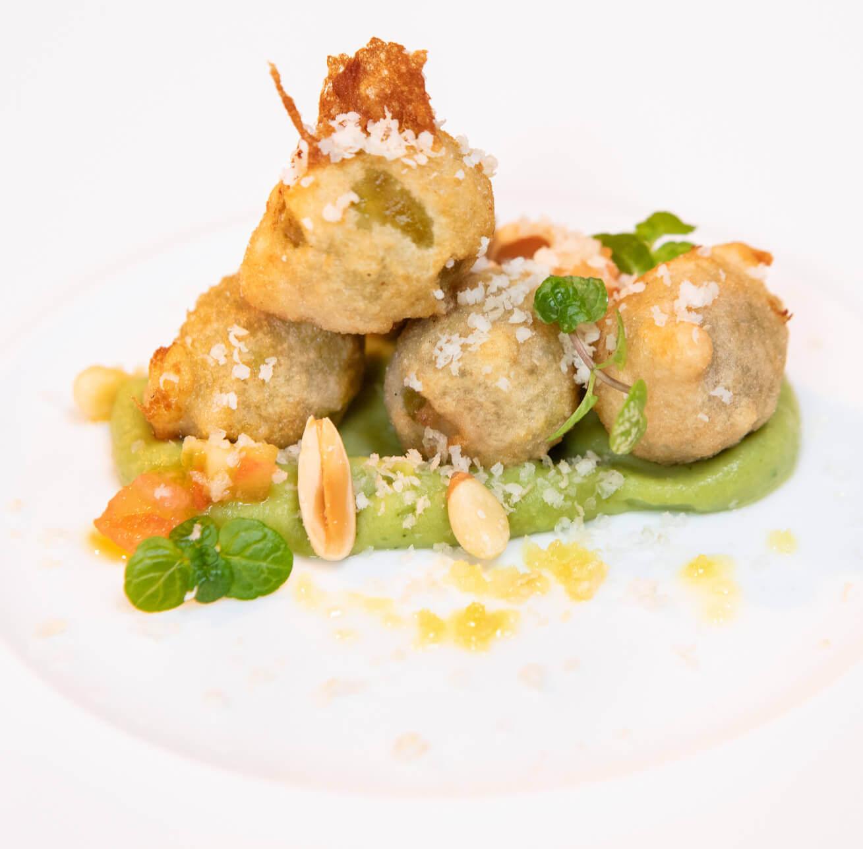 Receta de Aceituna Gordal con Almendras en tempura y con Humus de Pesto