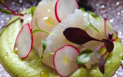 Ajoverde de aceituna Manzanilla con rape marinado y tomate